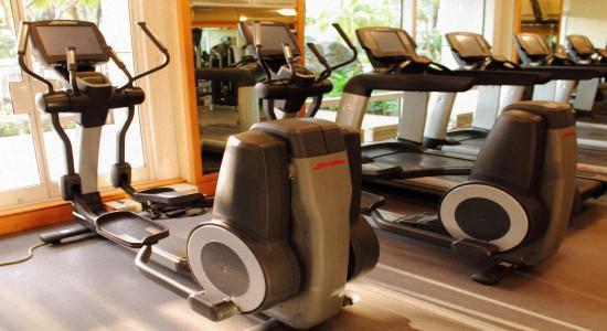 Упражнения для похудения плеч и спины
